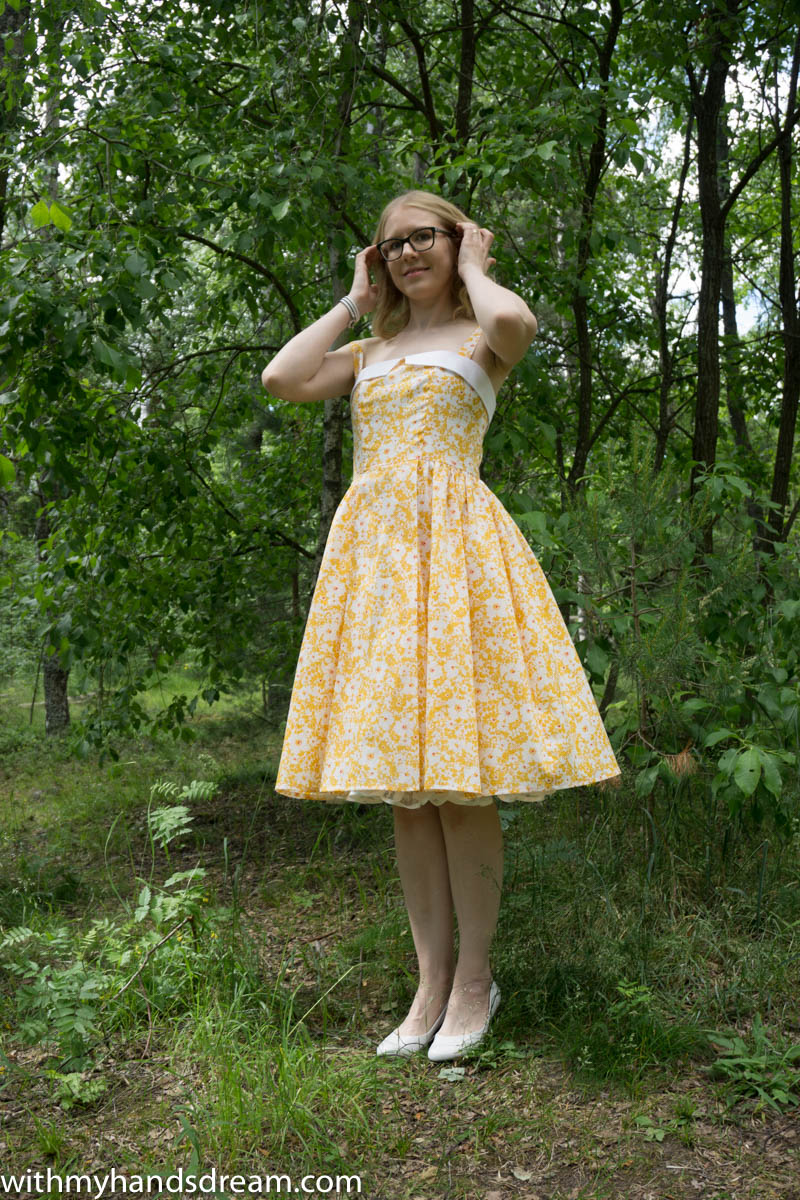 yellow-rosie-and-how-to-add-boning-to-a-bodice