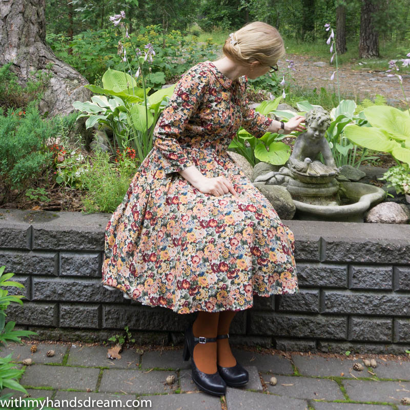 my-mix-and-match-autumn-dress-with-some-piping-fun