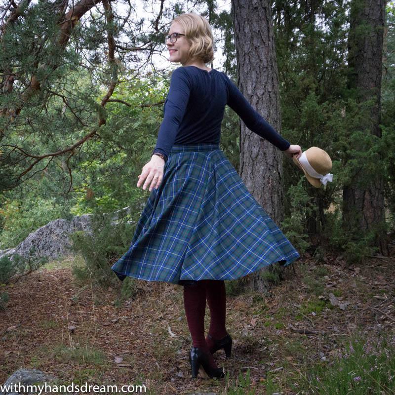 tartan-circle-skirt-and-a-bow-top