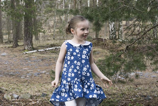 suomi-neito-maiden-of-finland-dress-and-leggings